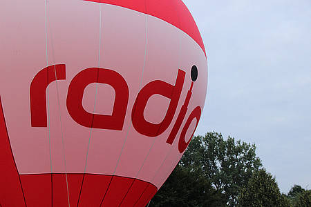 Radio-Werbung auf Heißluftballon