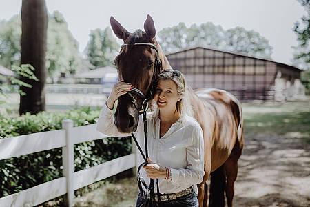 Ina Atig mit Pferd