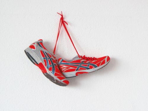 Sportschuhe als Wanddeko